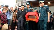 Đồng đội, người thân nghẹn ngào tiễn đưa 2 phi công hy sinh trong vụ rơi máy bay ở Nghệ An
