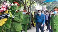 Lãnh đạo tỉnh Nghệ An thăm hỏi, động viên gia đình Thượng úy công an hy sinh khi làm nhiệm vụ