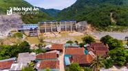 Thủy điện 'phủi' trách nhiệm trong vụ nhiều nhà dân nứt toác, nguy cơ rơi xuống lòng hồ ở Nghệ An