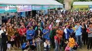 Hàng nghìn người dự Hội chợ giới thiệu việc làm ở huyện Tương Dương
