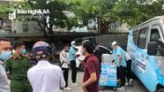 Công an 'mời' nhóm phát đồ uống miễn phí trước cổng trường ở Nghệ An lên làm việc