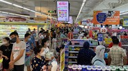 Người dân TP. Vinh lại đổ xô đi mua hàng trước thời điểm 'ai ở đâu, ở yên đó'