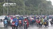Hơn 6.500 lao động đi xe máy từ miền Nam về quê Nghệ An trong 5 ngày