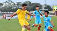 """HLV Nguyễn Thành Vinh: """"Thế trận hợp lý nhưng các cầu thủ trẻ SLNA vẫn còn thiếu tự tin"""""""