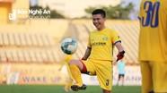 Khủng hoảng thủ môn, SLNA tính phương án để trung vệ Thế Nhật xỏ găng