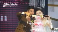 Phan Văn Đức hạnh phúc bên cô dâu xinh đẹp Nhật Linh trong ngày cưới