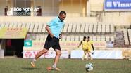 HLV Ngô Quang Trường: 'SLNA sẽ chơi một thứ bóng đá đầy mạnh mẽ'