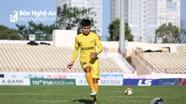 Trung vệ trẻ Thái Bá Sang của SLNA tự tin 'đối đầu' đàn anh Phi Sơn, Công Phượng