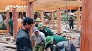 Bộ đội Biên phòng khám bệnh, phát thuốc miễn phí, giúp dân dựng nhà