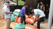 Xã miền núi quyên góp hơn 3 tấn gạo ủng hộ dân bản thiệt hại do lốc xoáy