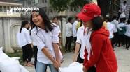 Kỳ Sơn tiếp nhận và cấp phát gạo cho học sinh nghèo
