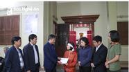 Ban Tổ chức Trung ương, Hội LHPN Bộ Công an và Ban Tổ chức Tỉnh ủy thăm hỏi các gia đình liệt sỹ hy sinh ở Rào Trăng 3