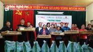 Hội Nông dân tỉnh trao tặng 20.000 con gà giống cho bà con vùng lũ Thanh Chương
