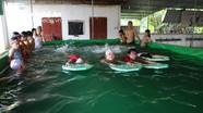 Mô hình 'huấn luyện bơi di động' phòng chống đuối nước ở Anh Sơn