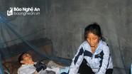 Xót cảnh người phụ nữ nghèo một mình chăm chồng con bị tai biến