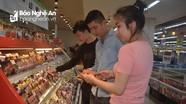 Thịt lợn tại siêu thị, cửa hàng vẫn giữ giá cao dù dịch tả lợn bùng phát
