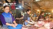Nghệ An: Giá lợn hơi giảm, tại sao giá thịt vẫn 'neo' mức cao?