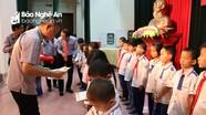 Trao 100 suất học bổng và phòng học vi tính tại Nam Đàn