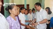 Trưởng ban Tôn giáo Chính phủ thăm, tặng quà tại huyện Anh Sơn