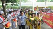 Lãnh đạo Đảng ủy Khối Doanh nghiệp chúc mừng U11 Sông Lam Nghệ An