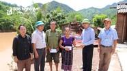 Kỳ Sơn trao hỗ trợ 115 triệu đồng cho các gia đình bị sạt lở