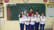 5 học sinh tiểu học nhặt được 2 triệu đồng, nhờ cô giáo tìm người trả lại