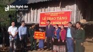 Chỉ huy trưởng Bộ CHQS tỉnh Nghệ An vui Ngày hội Đại đoàn kết tại Quế Phong