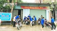 Đoàn viên giáo dân rửa xe gây quỹ giúp người nghèo
