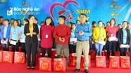 Chủ tịch Ủy ban MTTQ tỉnh chung vui 'Tết sum vầy 2020' cùng công nhân tại huyện Đô Lương