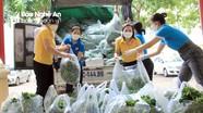 Thị xã Thái Hòa hỗ trợ 4 tấn rau, củ cho người dân TP. Vinh