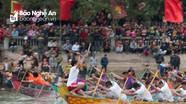 Sôi nổi đua thuyền truyền thống tại Lễ hội Đền Cờn