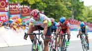 Kịch tính Giải đua xe đạp quốc tế VTV Cup chặng 3 qua Nghệ An