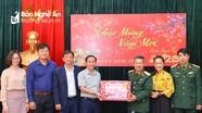 Lãnh đạo Quân khu 4 thăm và chúc Tết Báo Nghệ An