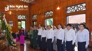 Thủ tướng Chính phủ Nguyễn Xuân Phúc dâng hoa, dâng hương tại Khu Di tích Kim Liên