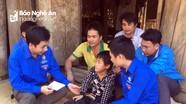 Hàng trăm suất quà Tết về với bà con Quỳ Châu, Quế Phong