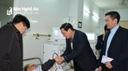 Phó Chủ tịch UBND tỉnh chúc Tết bệnh nhân, thương binh và học sinh làng trẻ SOS