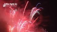 Lung linh bữa tiệc ánh sáng chào năm mới trên bầu trời thành phố Vinh