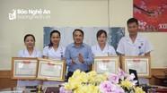 Hiến máu cứu sống một sản phụ, 3 điều dưỡng viên ở Nghệ An được khen thưởng