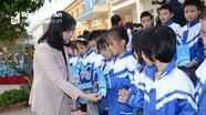 Bảo hiểm Xã hội Nghệ An tặng 166 thẻ BHYT tại TP. Vinh và huyện Hưng Nguyên