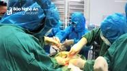 Cứu sống mẹ con sản phụ bị rau bong non tại khu cách ly Bệnh viện Sản Nhi Nghệ An