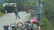Hai xe máy đối đầu, nam thanh niên nguy kịch