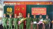 Trao thưởng ban chuyên án bắt gần 4 tạ pháo từ Kon Tum về Nghệ An tiêu thụ
