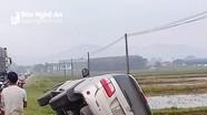 Ô tô va chạm với xe máy, người phụ nữ đi làm ruộng tử vong
