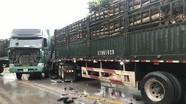 Xe tải chở keo đối đầu xe hổ vồ, làm tắc đường 3 km