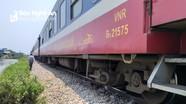 Hi hữu ở Nghệ An: Bị tàu hỏa đâm, đang làm thủ tục mai táng thì hồi tỉnh