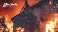 Cụ bà thoát chết trong vụ cháy trụi ngôi nhà gỗ 3 gian