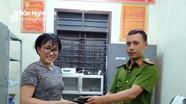 Nghệ An: Thiếu tá công an trả lại tài sản gần 30 triệu đồng cho nữ du khách đánh rơi