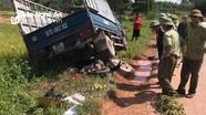 Xe tải đâm trực diện xe máy trên đường liên xã khiến 1 phụ nữ tử vong