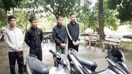 Nhóm thanh niên mặc áo chống nắng, bịt khẩu trang dùng dao, kiếm chém người trong đêm khuya