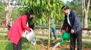 HĐND tỉnh dâng hương tưởng niệm Chủ tịch Hồ Chí Minh và trồng cây đầu năm mới
